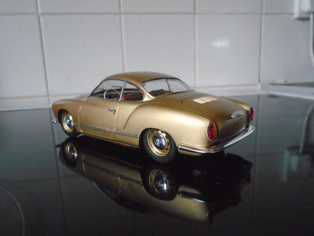 VW Karmann Ghia 47217649571_a6556b7049_b