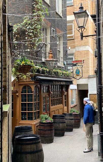 2019 London - Day 10 - Pub Crawl - Ye Old Mitre