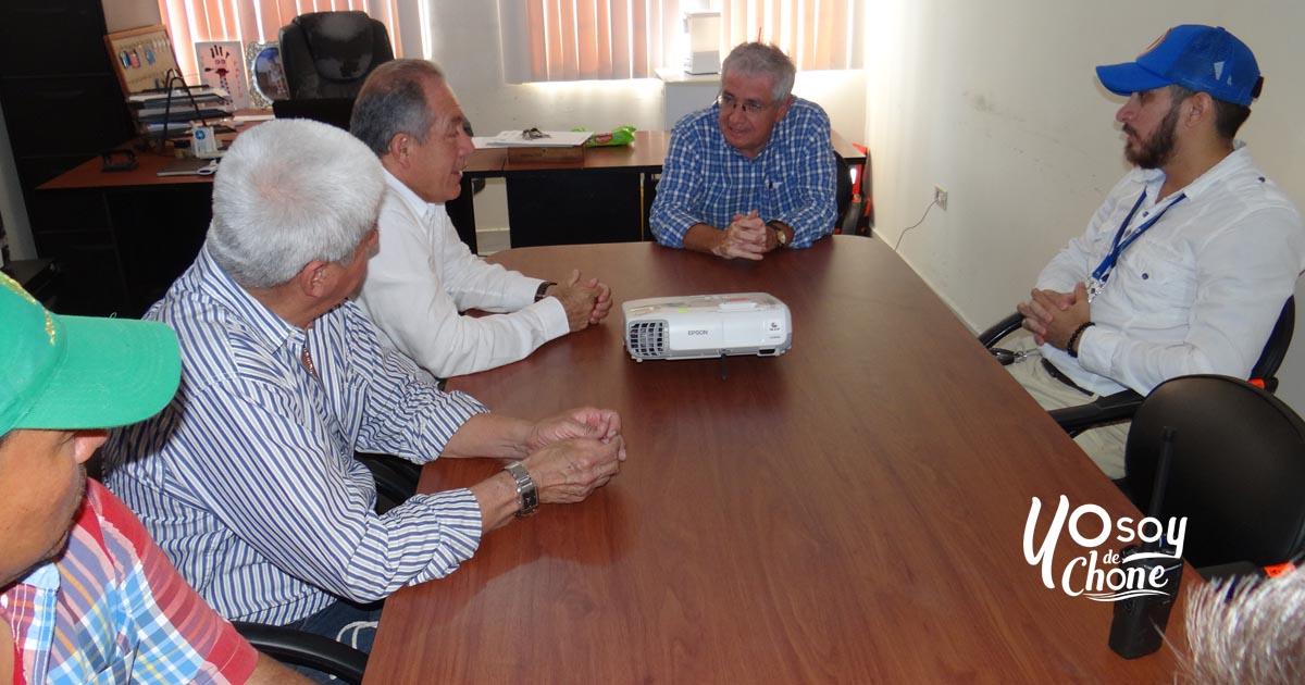 Reunión preventiva en zona de la represa Río Grande