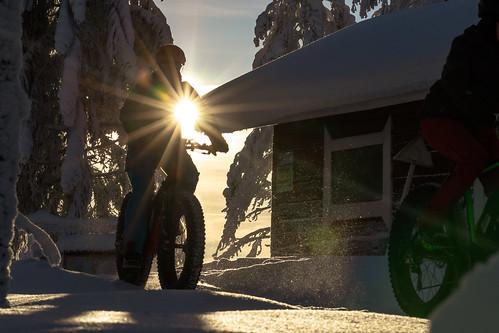 ebike riders on route in Tahko