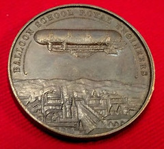 Baloon School medal reverse