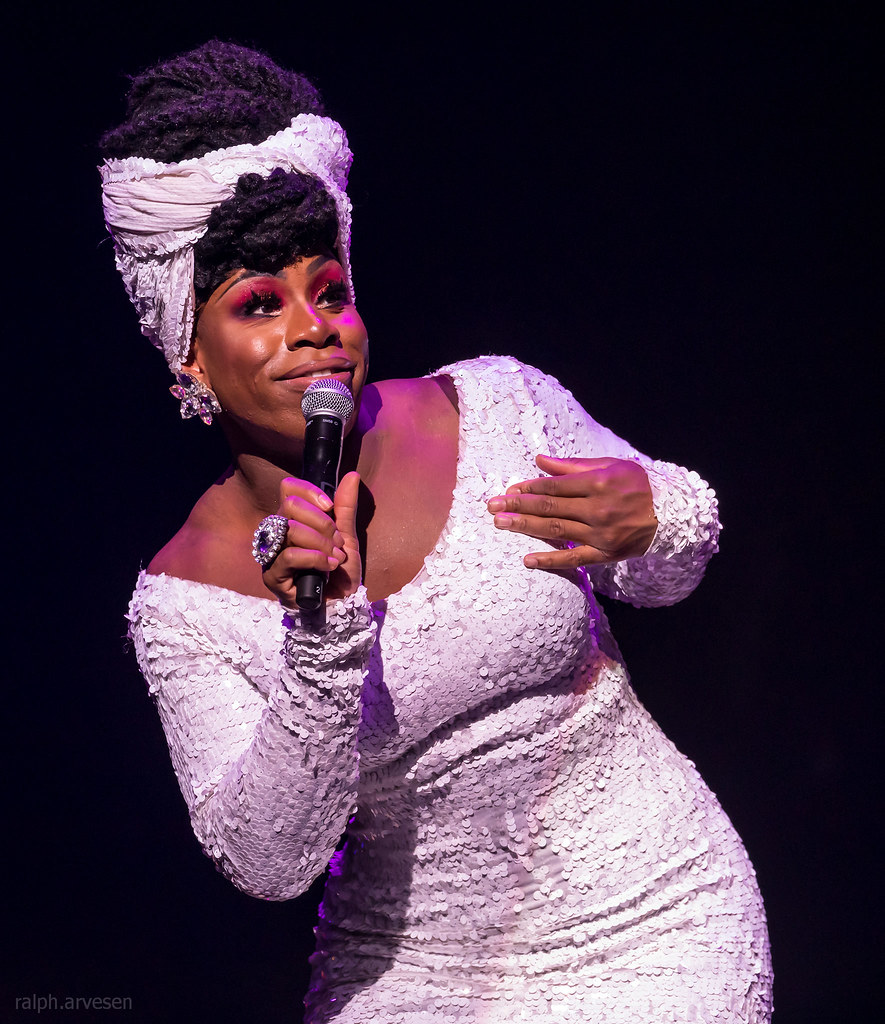 Monet X Change | Texas Review | Ralph Arvesen