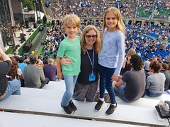 Sue & The Kids At The Sheryl Crow Concert