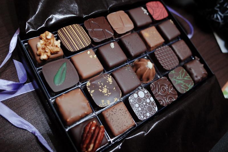 銀座一丁目Decadence du Chocolatボンボンショコラ24個入り