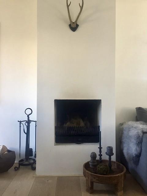 Witte haard woonkamer landelijk