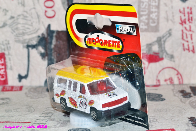 N°270 / 271 FORD ECONOLINE  45889526614_5c367781e4_z