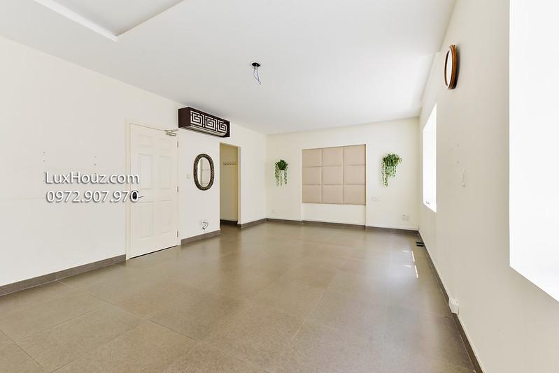 phòng trống tầng 2 - 2