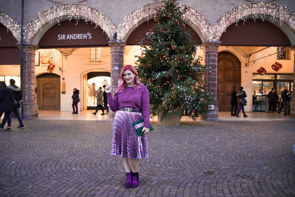Outfit plus size, curvy, glitter, lamè e viola per Capodanno (10)
