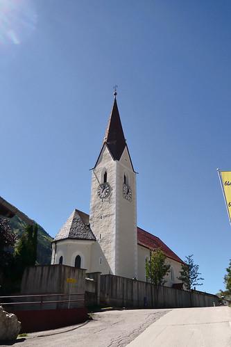 Katholische Pfarrkirche Heiligen Jakobus der Ältere, Berwang, Tirol - Austria (1130866)