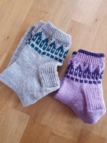 Pannouschka's Rowhouse Socks by Bonnie Sennott