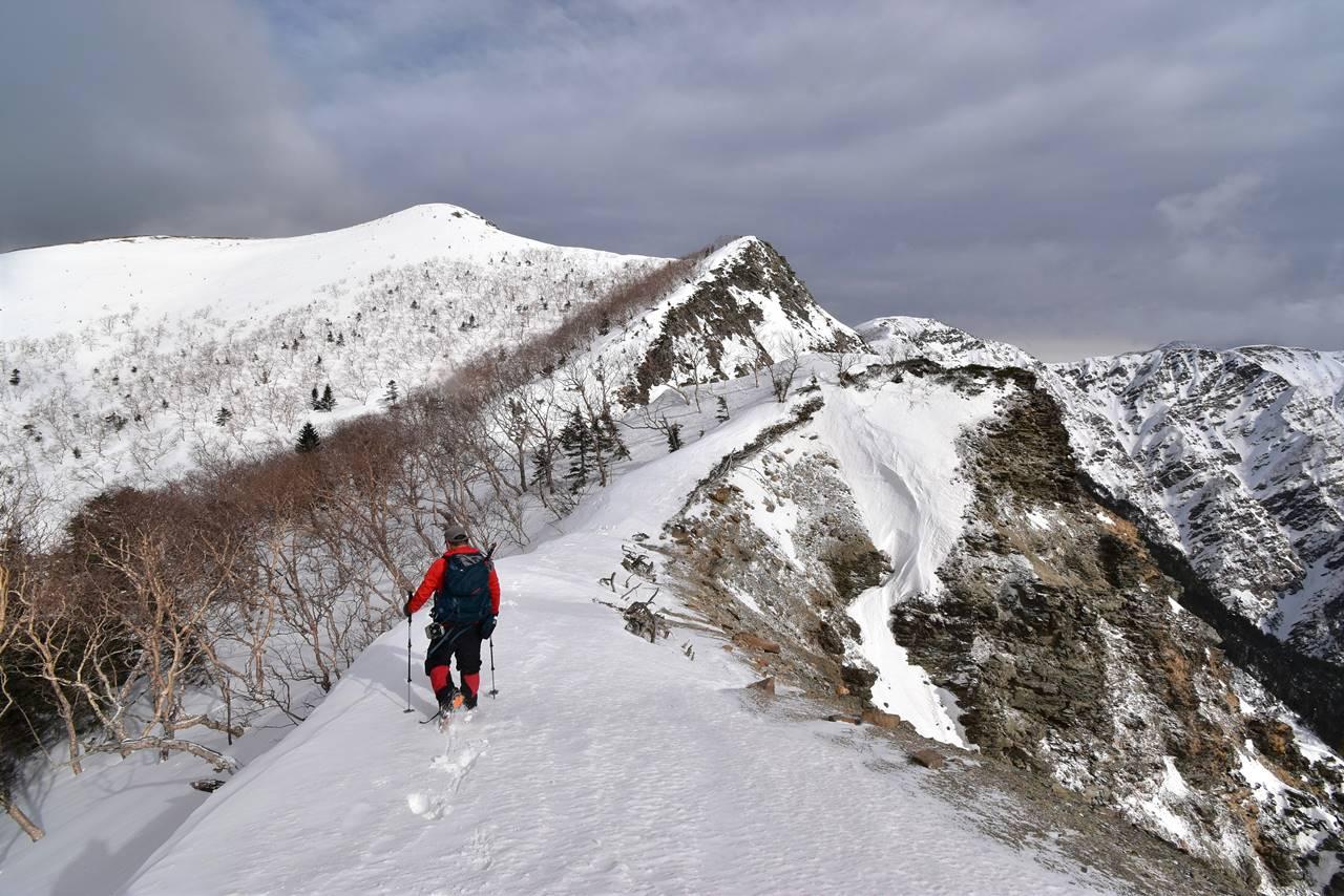 南アルプス烏帽子岳 三伏峠避難小屋泊雪山登山