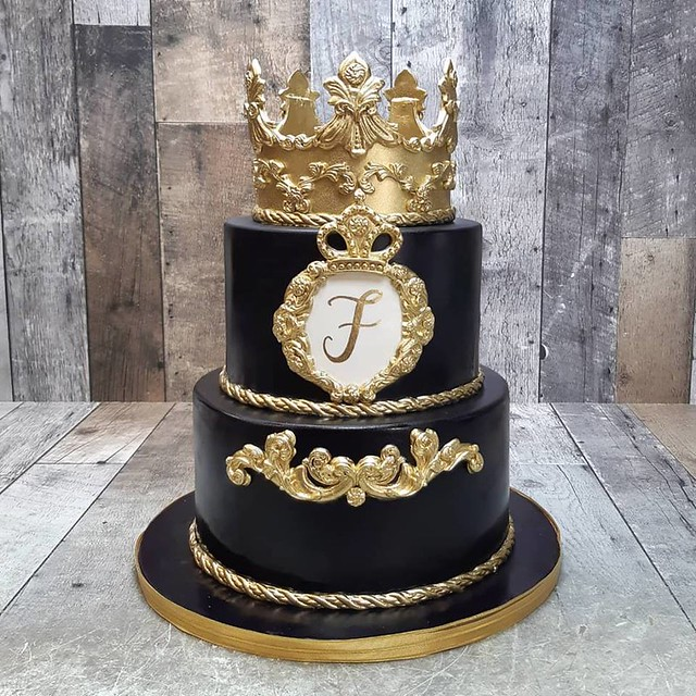 Cake by La Casa Dolce Custom Cakes & Pastries