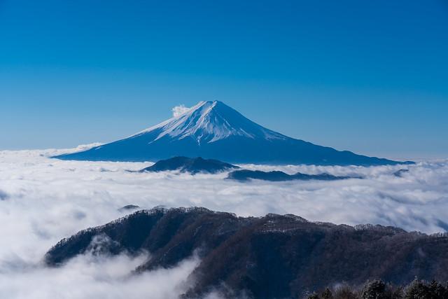 ハマイバ丸の稜線と富士山