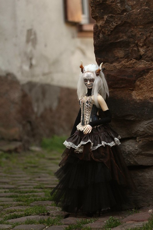 Ooo... Jour de pluie ...ooO (Glorydoll Goth Lucy, p.61)  - Page 30 33628801408_4829177cac_c