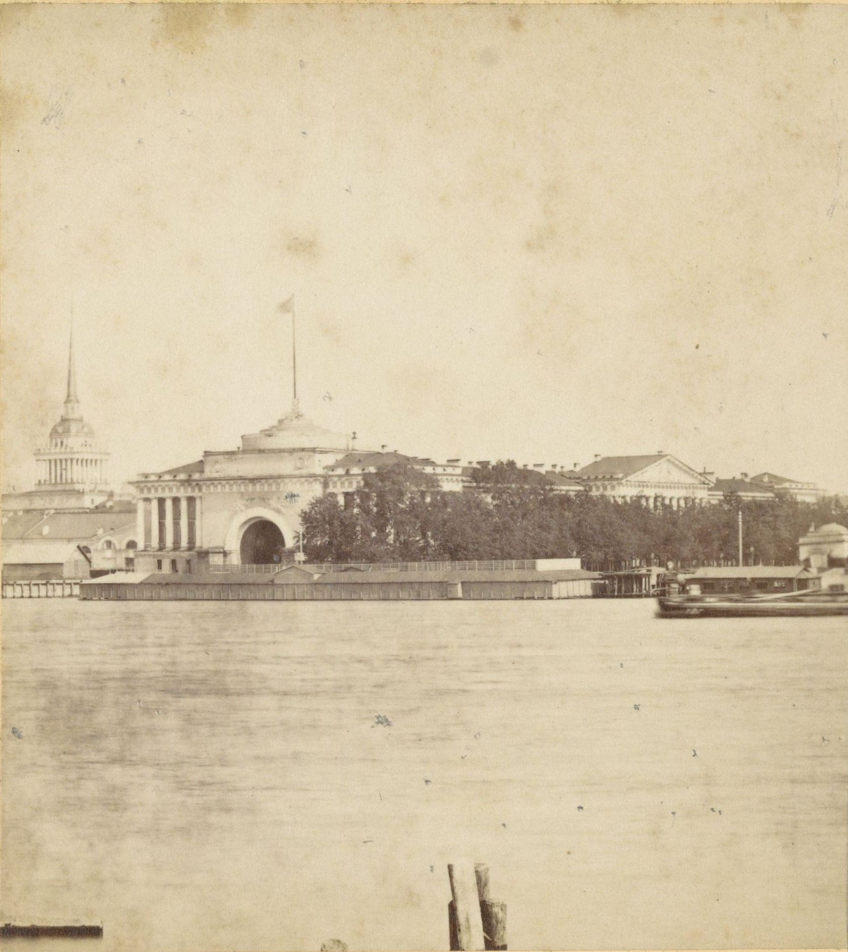Адмиралтейство с Васильевского острова