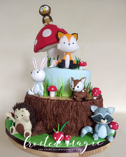 Cake by Divya Ramachandra of Frosted Magic