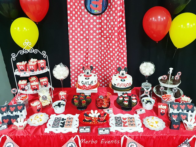 decoracion mesa dulce mickey y minnie Merbo Events