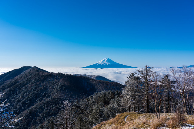 黒岳と富士山@牛奥ノ雁ヶ腹摺山
