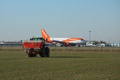 Airbus A319-111, EasyJet, provenance Toulouse - Photo of La Neuville