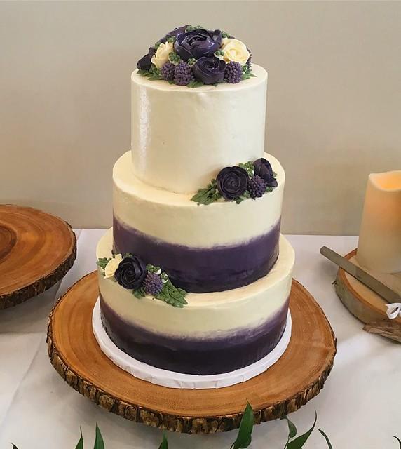 Cake by Bella Mia Desserts