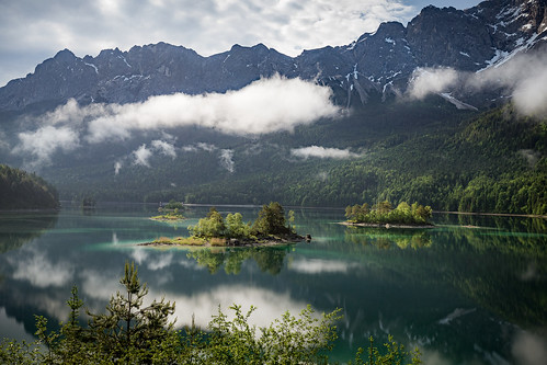 Quiet lake in the morning | Eibsee, Germany