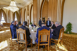 Secretary Pompeo Attends a Working Lunch with Egyptian Foreign Minister Shoukry