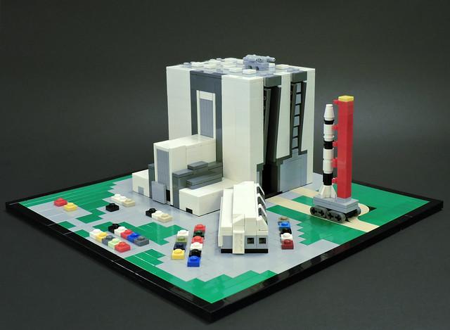 LEGO Microscale NASA Apollo 11 Rollout