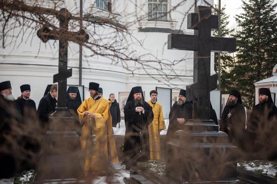 Преосвященный епископ Дионисий совершил в Новоспасском монастыре свое первое всенощное бдение в качестве наместника обители