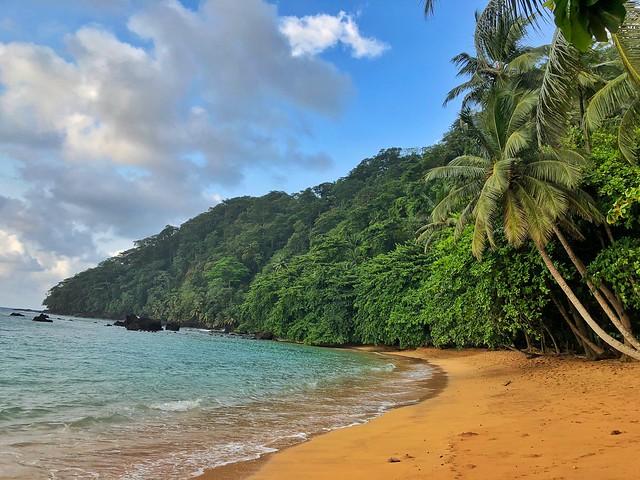 Praia Inhame, al sur de la isla de Santo Tomé (Santo Tomé y Príncipe)