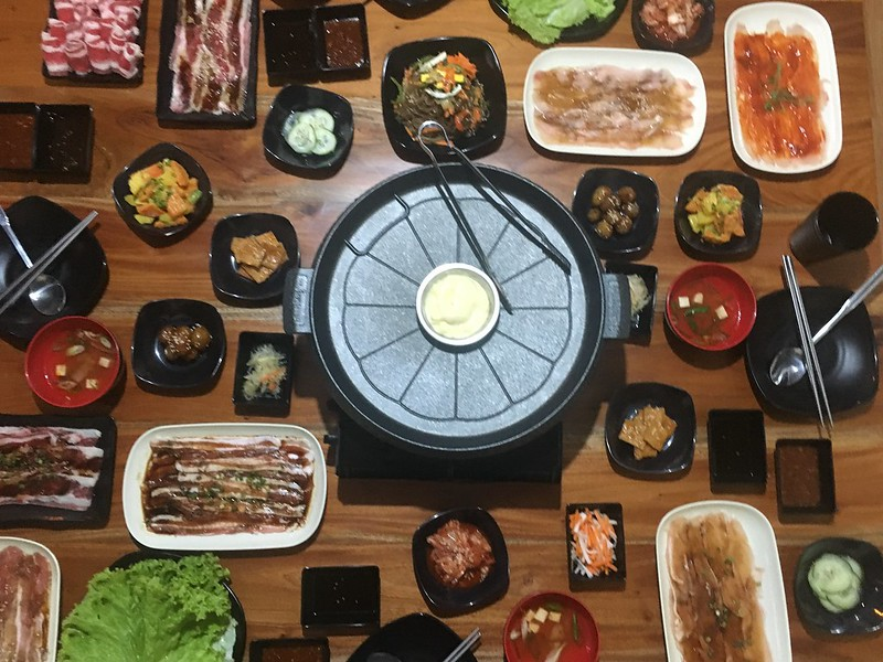 SamgyeopSaTimog, 8 Seas Food Park Adventure