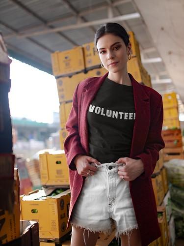 Volunteer Women's Short Sleeve Round Neck T-shirt