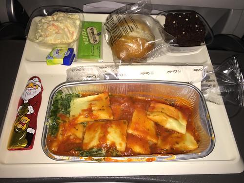 08 - Ravioli mit Spinat / Ravioli with spinach - Condor - Economy Class