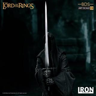 來自黑暗的恐怖威脅! Iron Studios Battle Diorama 系列《魔戒》戒靈(納茲古) Nazgûl 1/10 比例決鬥場景雕像作品
