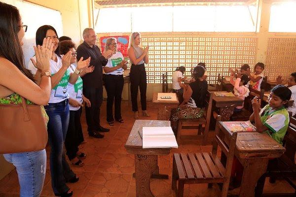 Crianças e adolescentes venezuelanos iniciam ano escolar em Santarém, Warao matriculados