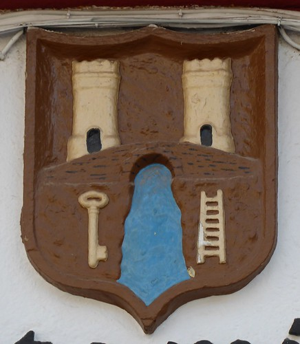 Cambil (Jaén-España). Plaza de la Constitución. Ayuntamiento. Escudo
