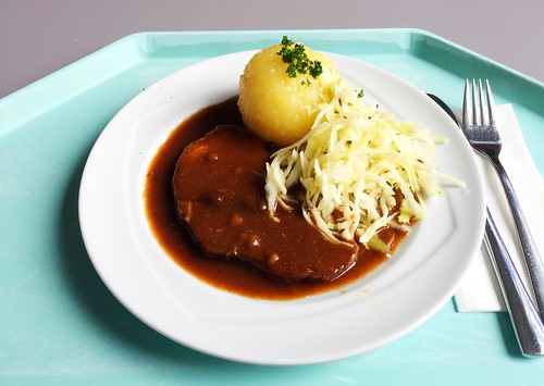 Pork roast in dark beer sauce with potato dumpling & cole slaw / Schweinebraten in Dunkelbiersauce mit Kartoffelknödel & frischen Krautsalat