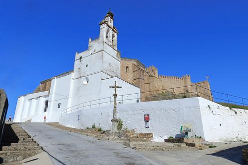 Iglesia de Nuestra Señora de la Asunción y Castillo