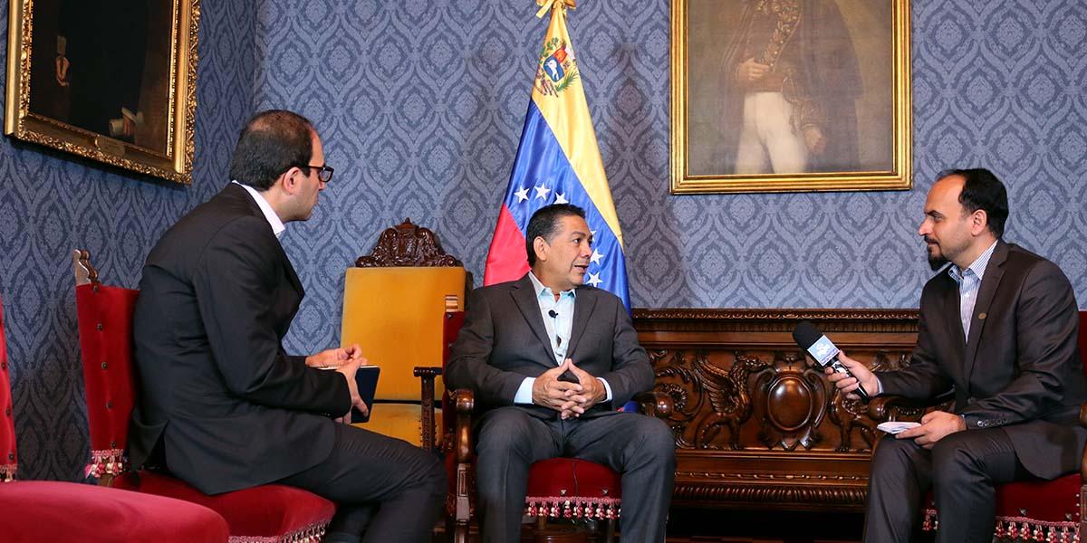 Entrevista por Tv Irán al viceministro William Castillo