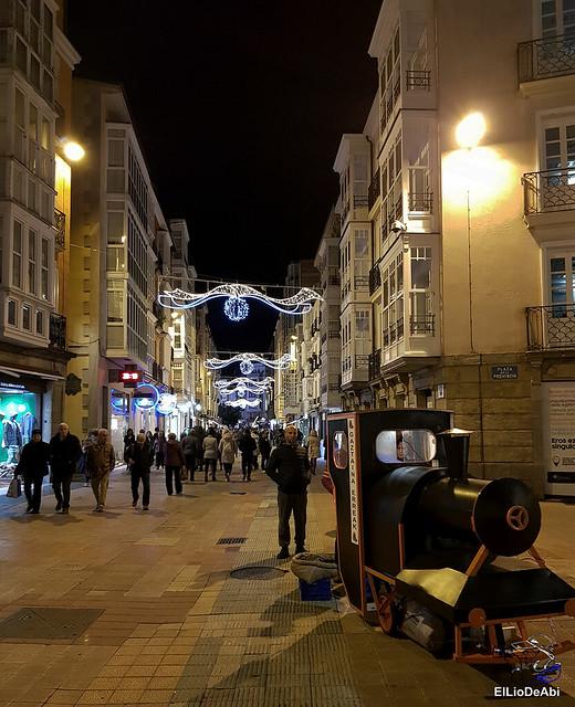 13.000 velas iluminan el Casco Viejo de Vitoria Gasteiz en la Noche de las Velas  (10)