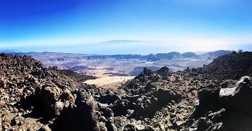 La #caldera de #LasCañadasDelTeide i la #illa de #GranCanària des del #cim del #Teide #Canàries #Canarias