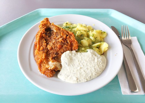 Baked plaice with potato cucumber salad & remoulade / Gebackene Scholle mit Kartoffel-Gurken-Salat & Remoulade