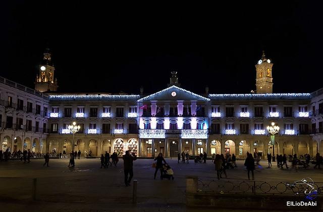 13.000 velas iluminan el Casco Viejo de Vitoria Gasteiz en la Noche de las Velas  (11)