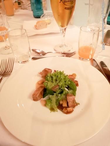 Apfel-Kalbskonfit mit kleinem Salat