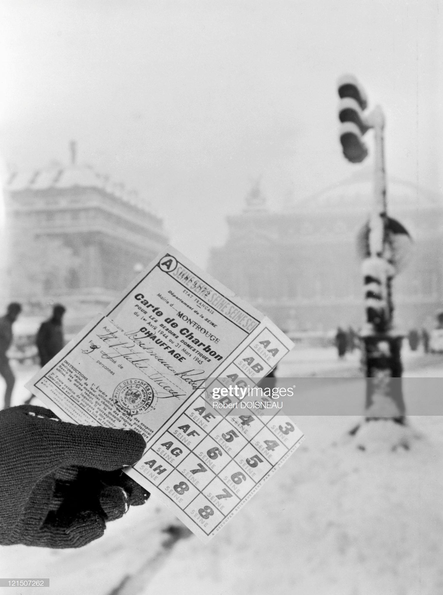 1944. Париж. Карточка на получение угля