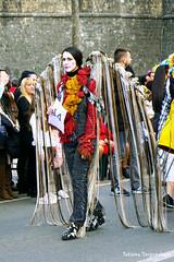 Девушка в карнавальном костюме