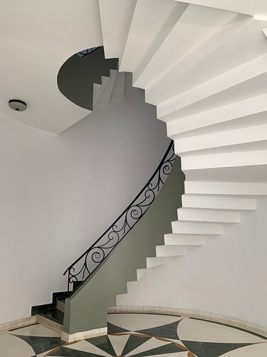 Home Sweet Home - Staircase to Heaven, South Delhi