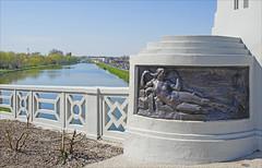 Les allégories du pont de l'Isle (Saint-Quentin, France)