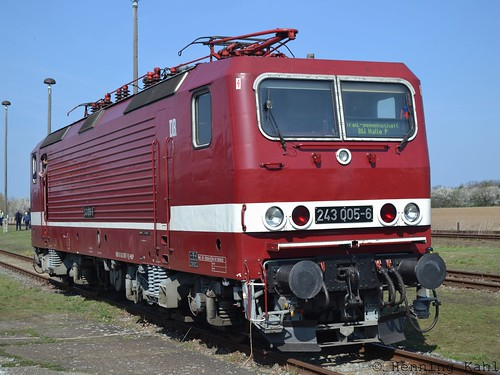 243 005-6 im Bw. Staßfurt