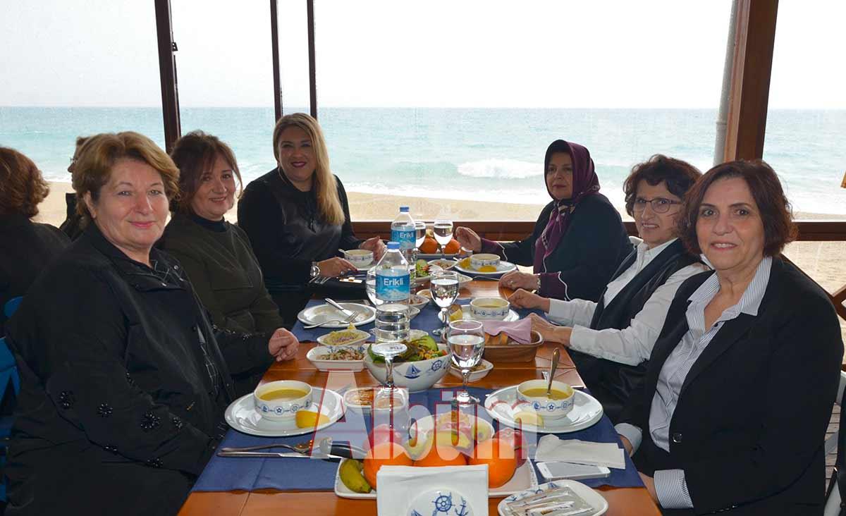 Ayfer-Cengiz,Zehra-Müftüoğlu,-Melike-Pala,Mesude-Çetin,Şükran-Gönüllü,-Emine-Kavlı