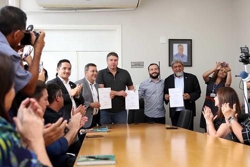 18.01.2019 - Prefeitura assina convênio com Ufam e UEA para ampliação do Programa de Estágio